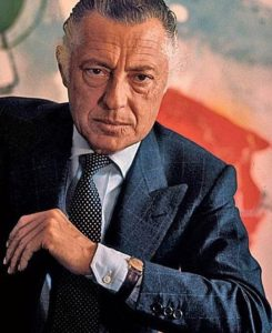Gentleman Gianni Agnelli, the uncrowned king of Italy. 8