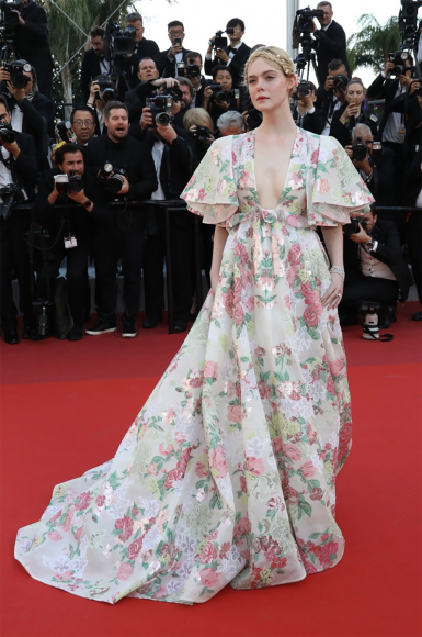 Dakota Fanning in Valentino Haute Couture