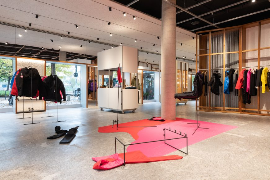 MODES_Sara Ravelli x Y Project Canada Goose (1)