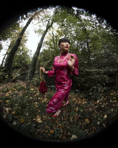 • Baroque pearl earrings by Port'Arte  • Pearl necklaces by Sous Vintage Shop  • Fuchsia kimono dress by Sous Vintage Shop  • Red velvet little pouch by Sous Vintage Shop  • Red d'orsay shoes belong to the Stylist