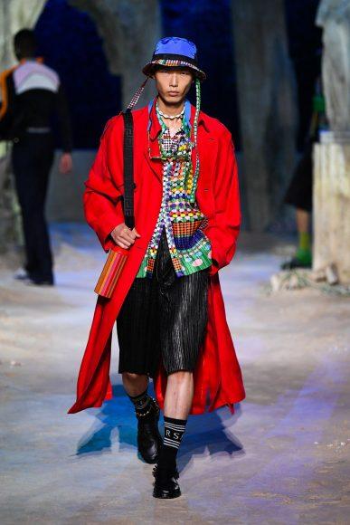 fashionshow-SS2021-01-13-01-img-mob