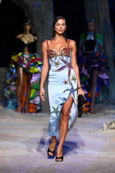fashionshow-SS2021-01-77-01-img-mob