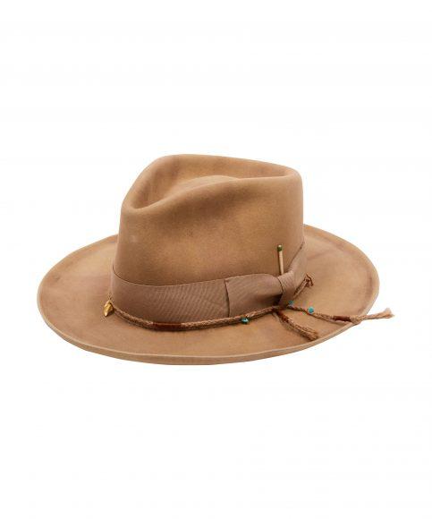 Cappello con tinta naturale B 1460€