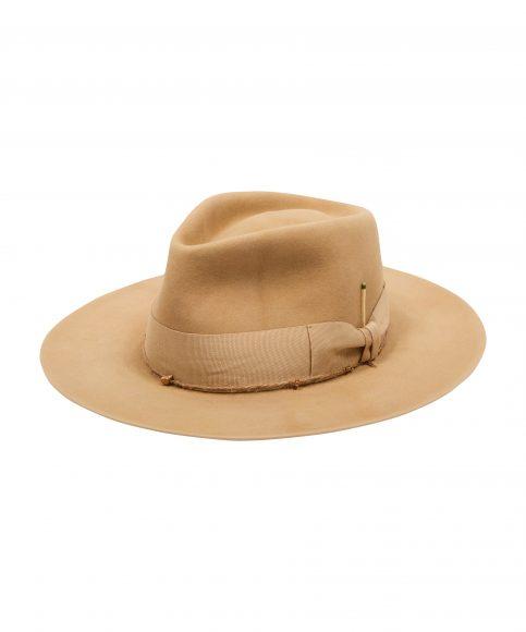 Cappello con tinta naturale C 1470€