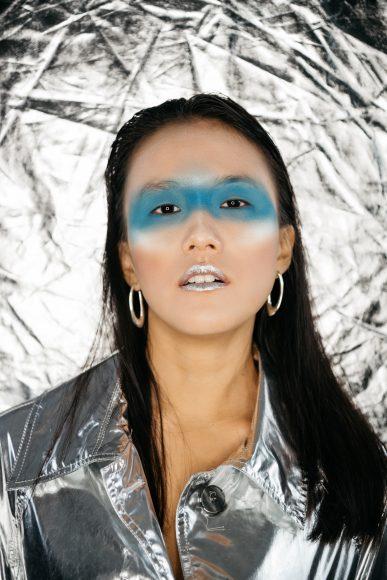 Metallic coat: Aniye By  Earrings: UNOde50