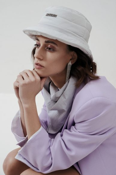 -Bucket Hat (Jacquemus) -Orecchini (Indaco) -Bandana(Zara) -Blazer (Storets) -Body (GCDS) -Pumps (PINKO)