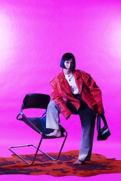 White shirt ODOR Oversized jacket RED SEPTEMBER Denim pants RED SEPTEMBER Black bag FRENZLAUER