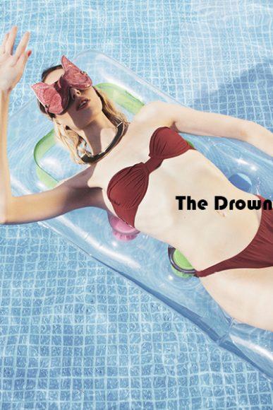 mask @chouettemilano  swimwear @PIU.BRAND  jewel vintage